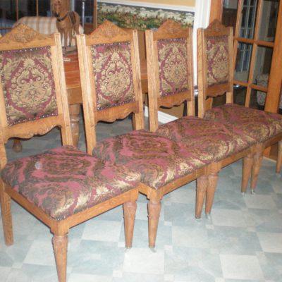 Chaise de cuisine en bois antique