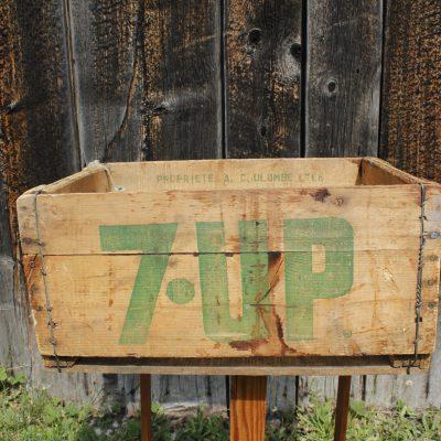 Caisse de liqueur en bois 7up