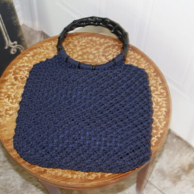 sac à main en macramé bleu
