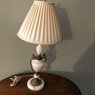 lampe de table pied en marbre