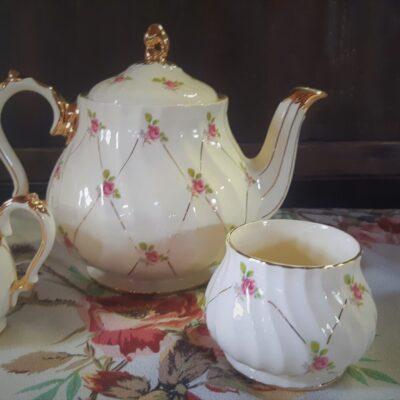 Ensemble à thé porcelainee